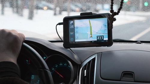 un traceur GPS pour particuliers et pros
